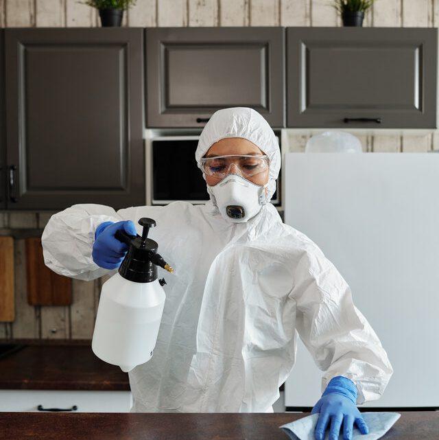Vervuilde woning schoonmaken? Schakel hulp in!